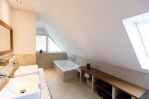 dein fliesenleger oldenburg bad waschbecken badewanne mosaik