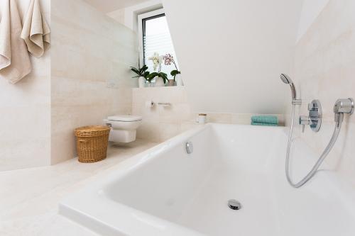 dein fliesenleger oldenburg bad waschbecken badewanne toilette