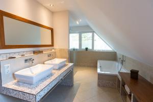 dein fliesenleger oldenburg bad waschbecken spiegel mosaik